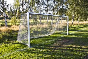Kommunens fotbollsmål i Strandvallen är säkra, menar fritidsansvarige Niclas Brodin.