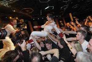 Larz Kristerz hyllades av fansen när resultatet i Dansbandskampen blev klart.