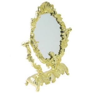 Verkligt vacker. Man behöver inte var så snygg själv när man har en sån här spegeln.  299 kronor från kitsch.se.