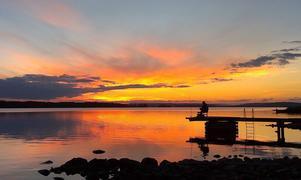 Stilla ro i solnedgången vid Ströms Vattudal. Annika Larsson Andersson