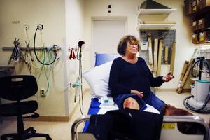 Ingrid Sund är en av de som skickats till akuten för problem som borde behandlas av läkare på hälsocentralen, om det funnits någon läkare där.