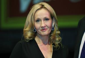 JK Rowling släpper nya berättelser redan tisdagen den 8 mars.