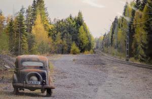 Lämnad. Hans Larsson har förevigat den övergivna bilen.