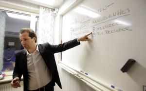 Snart inte rektor längre. Stefan Grybb på Solängsskolan är en av dem som får en ny arbetsplats och en ny befattning.
