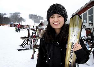 Det är första gången jag åker skidor, berättade Jennie Lindborg som för bara några veckor sedan flyttade till Ludvika. Här har hon fått jobb på en reklambyrå.