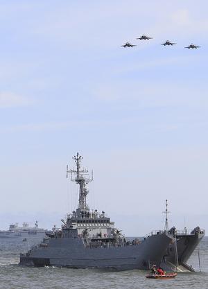 Runt 45 krigsfartyg deltar i Baltops. Foto: Czarek Sokolowski