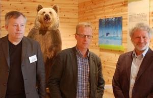 Christer Jarlås, miljöåklagare, Henrik Forsblad, Rikspolisstyrelsen, och Mats Forslund, Världsnaturfonden, kommer under tre dagar i Grönklitt, tillsammans med ytterligare ett 90-tal myndighetspersoner, att ha ett seminarium om samverkan mot illegal jakt på stora rovdjur.