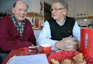 Torsdagsbröder. Tage Westlund har varit med sedan klubben startade. Sedan 2008 är Arne Wirén (till höger) klubbens ordförande.