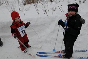 Saga Jofs, 3 år, och Lowa Jofs, 5 år.