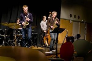 Det var inte många som kom för att lyssna på jazz i Drömfabriken. Tråkigt, tycker På Gångs Magnus Mjöhagen.