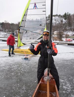 Adrenalinkick. Isjaktsseglaren Inka Olsson gillar adrenalinet som kommer med vindens fart.