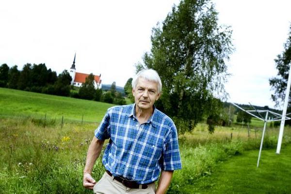 """Håkan Mellström i byarådet i Åmot är besviken över att det nu finns ett förslag om att lägga ner skolan. """"Sossarna har alltid haft med bland sina vallöften att byskolorna ska vara kvar. Vi har känt oss trygga"""", säger han."""