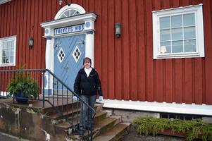 Mia Palmqvist ser fram emot att hålla julpyssel för vuxna och barn.