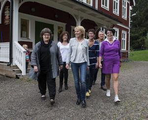 Här ses delar av ledningsgruppen i Nedansjö-Stöde och de gillar att skolan har hamnat i fokus. Från vänster ses Eva Sundqvist-Ström, Anna-Lena Rehnberg, Lena Svensson, Anki Lindström, Urban fröberg och Ann-Catrin Bjurestam.