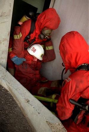 Det räcker inte med att träna lite sporadisk för att bättra på kapaciteten hos brandmän att bära tunga bårar. Det visar ny forskning.