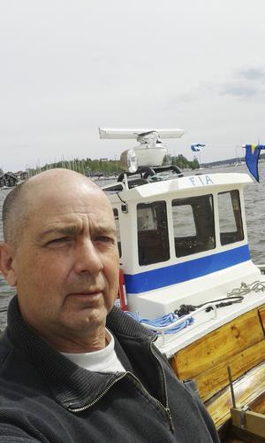 I sommar har Mikael Fjäll kört turbåten Fia längs Hudikkusten.