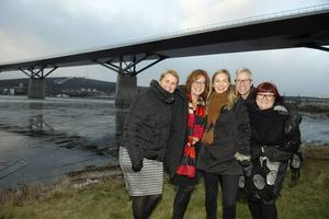 Nu är det nära – snart ska världsrekordförsöket på Sundsvallsbron äga rum och projektgruppen Nina Dahlberg, Maria Åslin, Laila Bergström, Roger Andersson och Anna Frisk är glada över det enorma intresset för arrangemanget.