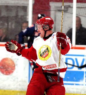 Hedemoras Jimmy Kauppi är redo för säsongens andra derby. Hittills har nyförvärvet från Värmdö gjort ett mål och spelat fram till ytterligare två.