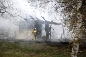 Hittills i år har över tio boenden eldhärjats och i de flesta fall misstänks att bränderna varit anlagda.