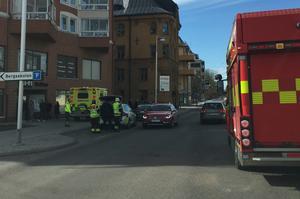 Två bilar kolliderade på Parkgatan i Falun.
