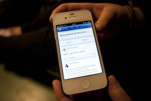 Klass 9 A på Bjursåsskolan sköter numera den mesta av sin kommunikation via Facebook.