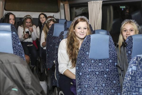 Åtskilliga timmar i buss blir det för Härjedalens luciakandidater.