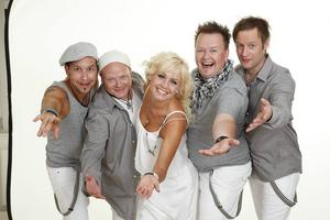Andreas Klar, längst till vänster är keyboardspelare och sångare i Mickeys och gift med sångerskan Mia Sandström.