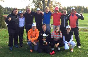 Västmanlands elitjuniorer i golf gick segrande ur kampen mellan dem, Uppland, Dalarna och Stockholm.