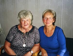 När de började i sjunde klass blev Birgitta Ågren Lindholm, till vänster, och Margaretha Höglund, klasskamrater. Den vänskapen består ännu, efter 57 år.