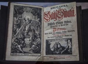 En av de många bibelöversättningarna som reformationen förde med sig. Denna finns på Marienbibliothek i Halle.