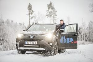 Anders Lundin trivs som bäst när han får åka runt i länet och möta människor.