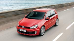 Volkswagen hade planer på att invänta bättre tider innan nya Golf GTI skulle lanseras, men nu är den här. En ikon i bilhistorien rullar vidare.Foto: Ullrich Sonntag