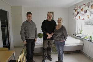Några i gänget bakom Björkbacka vandrarhem: Jakob Silén, Örjan Lodin och Lena Kavallin.
