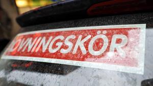 Forskare i Umeå tycker att körkortsåldern ska höjas till 25 år.