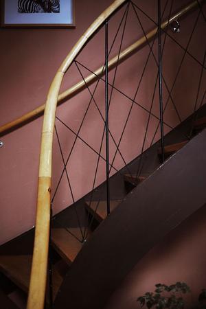 Stilrent trappräcke.