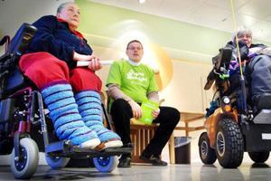 Anita Lindqvist, Jahn Strid och Elsie Nordin är tre av dem som kämpar för att tillgängligheten för rörelsehindrade ska förbättras.  Foto: Joakim Rolandsson