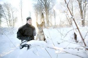 Kenneth Johansson är hundförare och operativ chef för Missing people i Gävleborg.