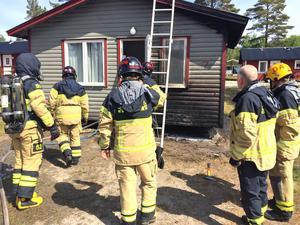 Räddningstjänsten agerade snabbt och hade branden under kontroll efter cirka 30 minuter.