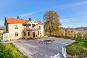 Klicktoppen för vecka 44, gällande dalaobjekt på bostadssajten Hemnet, toppas av denna åttarumsvilla i Grangärde, Ludvika kommun.