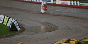 Det regnade för fullt över HZ Bygg Arena under torsdagskvällen.