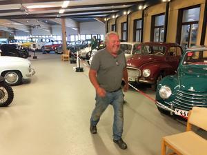 Calle Lundkvist budade högst för den unika bilen – 1,3 miljoner.