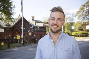 Patrik Eriksson har brunnit för att renovera det gamla hotellet, men nu har orken tagit slut.