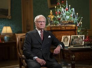Kung Carl Gustaf på Stockholms Slott inför sitt jultal. Foto: Fredrik Sandberg / TT.