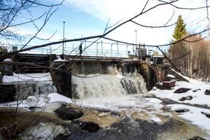 Milsbrons kraftverksdamm i Gnarpsån, Gnarp.