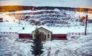 Och genom fönstret kan du ta en egen bild av Falu gruva, men lite blänk från utställningen.