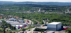 Grängesberg, med Spendrups produktions- och lagringsanläggningar i förgrunden.