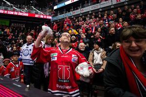 Fem plus till lagens fans. Foto: Johan Bernström / BILDBYRÅN.