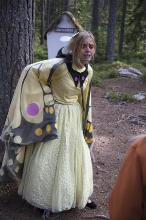 Den blodtörstiga vampyren Citrona spelas här av Evelina Hansson.