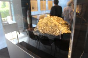 Silvermalm. Efter att silvermalmen hade förädlats i Sala till 99 procent silver fraktades det i silvertackor till Myntverket i Stockholm.