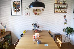 Matrummet är inte bara en plats att äta, utan fungerar även för läxor, lek och pyssel.